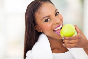 pretty lady eating apple