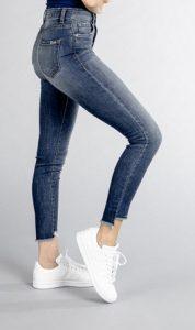Ellie High Rise Step Hem Skinny (Floresta Wash)