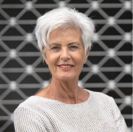 Short Hairstyles For Women Over 60 To
